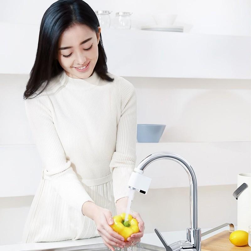 touchless faucet kitchen